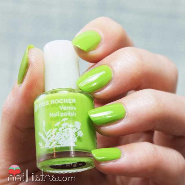 Esmaltes de uñas Ives Rocher verde Vert Acidulé