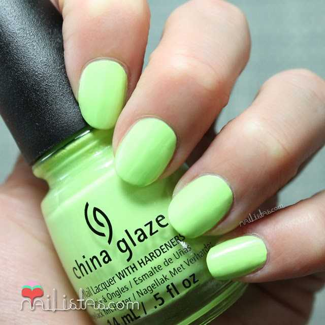 esmaltes China Glaze | Grass is Lime Greener swatch