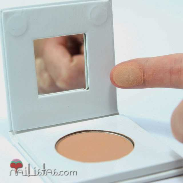 Ainhoa, colorete compacto BIO:  con certificación ECOCERT