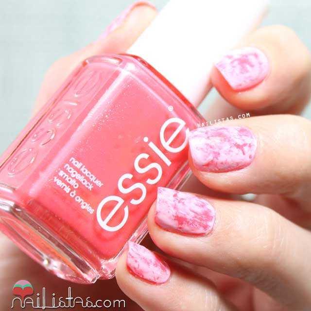 decoracion de uñas muy fácil en tonos rosas