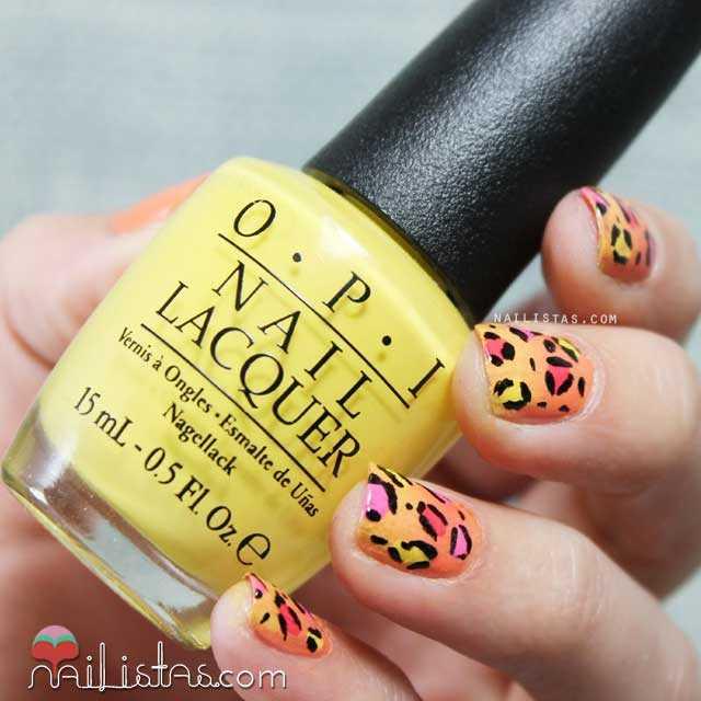 Uñas decoradas con leopardo de colores
