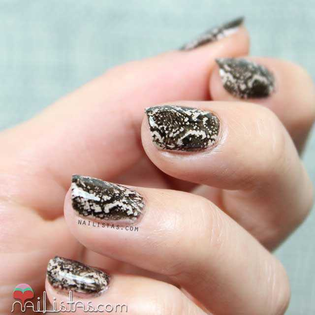 Uñas decoradas de serpiente