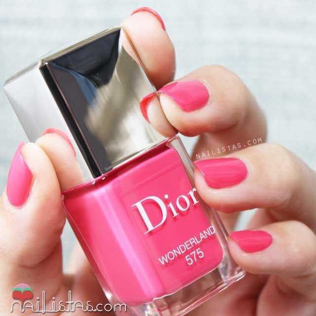 Swatch del esmalte d euñas Dior Wonderland