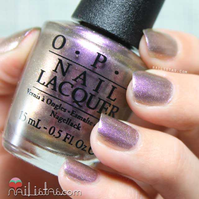 OPI_Brazil_Next_Stop_The_Bikini_Zone_swatch_01