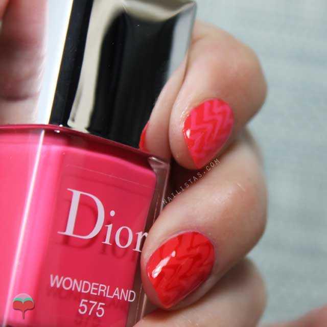Nail art de verano en tonos rosas muy sencillo