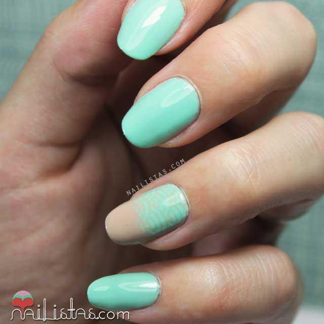 Nail art verde menta