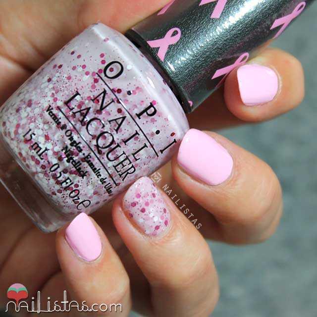 Manicura rosa contra el cáncer de mama