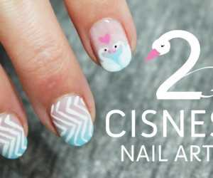 Uñas decoradas con dos cisnes cute kawaiii