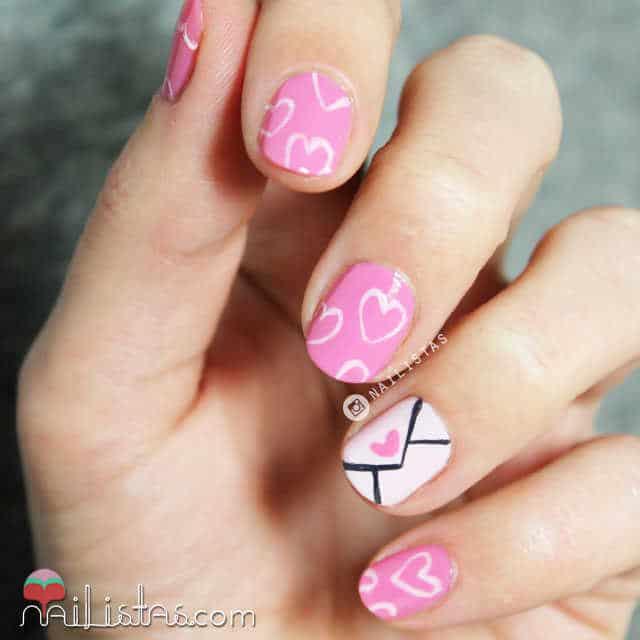 Uñas decoradas con corazones san valentín nail art