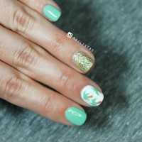 Diseño de uñas fácil con palmeras