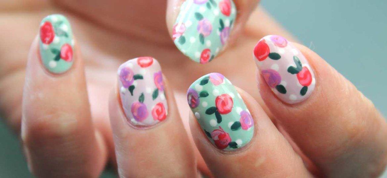 Linda decoración de uñas para principiantes con flores paso a paso