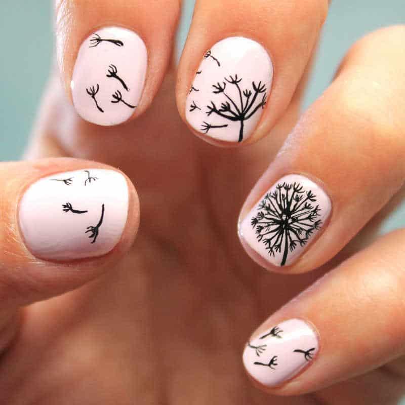 uñas decoradas con diente de león