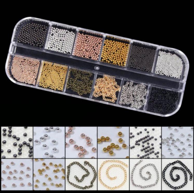 decoración de uñas caviar tachuelas cadenas