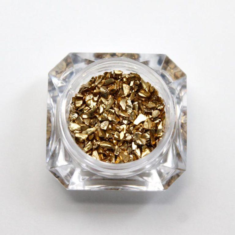 piedras doradas pepitas de oro nail art