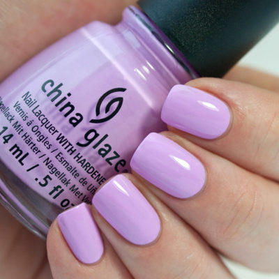 esmalte china glaze in a lilly bit